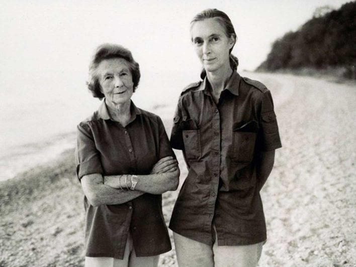 Jane Goodall mit ihrer Mutter 1960 im Gombe Nationalpark