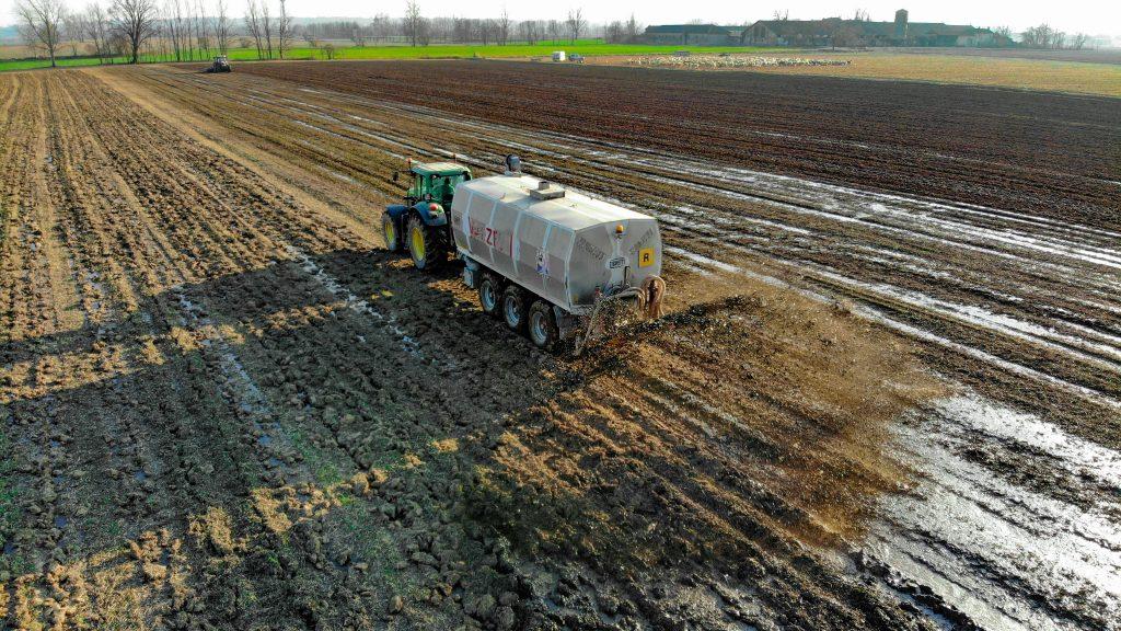 Die Überdünung von Feldern führt zu verschiedenen Problemen
